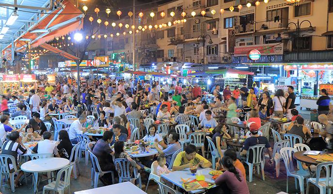 Jalan Alor Street Food Night Market, Kuala Lumpur (Photo: TK Kurikawa / Shutterstock.com)
